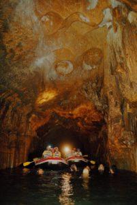 タンディン洞窟
